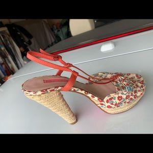Betsy Johnson Sandals. Flower design